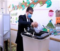 حسين زين يدلي بصوته في انتخابات مجلس الشيوخ 2020