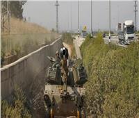 إعلام: دبابات إسرائيلية تخترق الحدود اللبنانية وإلقاء قنبلة فوسفورية