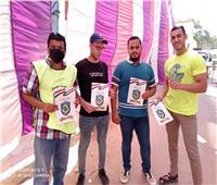 أعضاء مراكز الشباب بالبحيرة يستقبلون الناخبين أمام لجان الاقتراع بانتخابات الشيوخ
