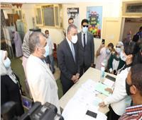 محافظ سوهاج يطمئن على سير العملية الانتخابية
