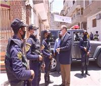 محافظ أسيوط يتفقد التمركزات الأمنية أمام لجان انتخابات مجلس الشيوخ