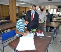 صور| رئيس جامعة حلوان يتابع إجراءات اختبارات القدرات