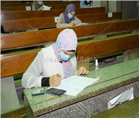 صور| استمرار امتحانات طلاب جامعة القاهرة ومناقشة 10 رسائل ماجستير ودكتوراة.. اليوم
