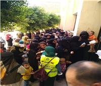 طوابير فى قرية نزلة البدرمان بالمنيا على التصويت بانتخابات الشيوخ