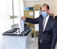 رئيس البورصة يدلي بصوته في انتخابات مجلس الشيوخ 2020