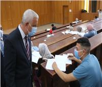 رئيس جامعة المنوفية يختتم جولته اليوم بتفقد اختبارات قدرات كلية الإعلام
