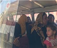 صور| لليوم الثاني.. سيارات لنقل الناخبين للجان بالغربية