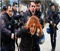 تركيا تعتقل 25 امرأة تظاهرن ضد «حزب أردوغان»