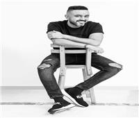 حاتم فهمي يحضر لألبومه الجديد بجلسة تصوير