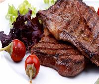 طبق اليوم.. «ستيك لحم بالزبدة»