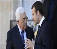 اتصال هاتفي بين عباس وماكرون يتناول الاتفاق الإماراتي الإسرائيلي