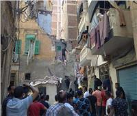مصرع سيدة وإنقاذ 4 في انهيار عقار حي الجمرك بالإسكندرية