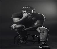 بعد سنوات من الغياب.. حسام الحسيني يكافح العنف ضد المرأة بأغنية «راب»