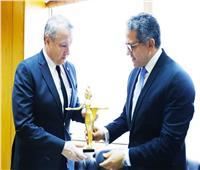 «العناني» وسفير المجر بالقاهرة يبحثان التعاون المشترك في السياحة