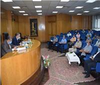 محافظ المنيا يعقد لقاء «خدمة المواطنين» بعد توقف 5 شهور