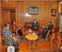 رئيس جامعة حلوان يستقبل رئيس هيئة قناة السويس