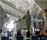 أمين عام منظمة السياحة العالمية في جولة داخل المتحف المصري الكبير... صور