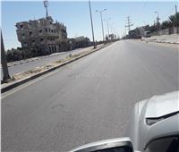 خاص| صور.. أكبر شارع في غزة «خالٍ من المارة» مع سريان حظر التجوال