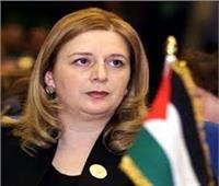 أرملة ياسر عرفات ترد على امتلاكها 7 مليارات دولار