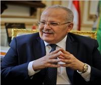 """رئيس جامعة القاهرة يشكر """"كامبريدج"""": شجاعة العودة لنظم تقييم أكثر عدلا"""