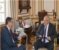 رئيس جامعة القاهرة يستقبل سفير تشيلي في مصر لبحث سبل التعاون المشترك
