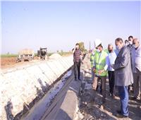 محافظ أسيوط يلتقي مسئول وزارة الري لتنفيذ مشروع تبطين الترع