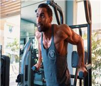 للرجال.. مدرب لياقة بدنية يقدم نصائح لبناء العضلات بشكل سليم