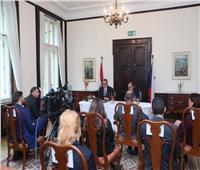وزير السياحة والآثار يلتقي بكبرى منظمي الرحلات وشركات الطيران التشيكية