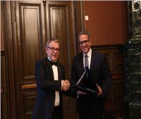 «العناني» يبحث مع وزير الثقافة التشيكي سبل تعزيز التعاون بين البلدين