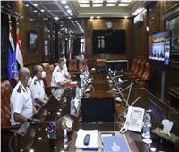 القوات البحرية توقع عقد إنشاء محطة تداول حاويات بميناء أبو قير البحري