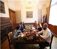 «العناني» ووزيرة التنمية الإقليمية بالتشيك يبحثان سبل استئناف الحركة السياحية