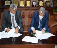 محافظ المنيا يوقع مذكرة تفاهم مع هيئة تنمية الصعيد لتشغيل وصيانة 3 مشروعات إنتاجية
