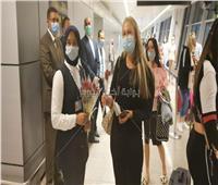 صور.. وصول أولى الرحلات البريطانية إلى مطار الغردقة