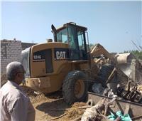 تنفيذ 10 قرارات إزالة لأدوار مخالفة بحي شرق أسيوط