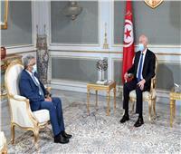 خلال لقاءه وزير العدل..الرئيس التونسي يؤكد على استقلالية القضاء