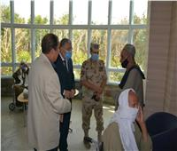 محافظ المنيا يزور المستشفى العسكري ومركز القوات المسلحة لعلاج الأورام