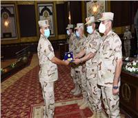 وزير الدفاع يلتقي بمقاتلي الجيش الثاني ويشيد بدورهم الوطني في قتال العناصر الإرهابية