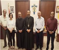 الأنبا باخوم يلتقي مسؤولي جمعية الصعيد لبحث سبل التعاون مع الإيبارشية البطريركية