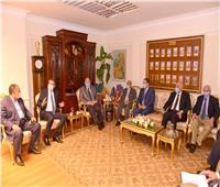 محافظ أسيوط يلتقي رئيس البنك الزراعي المصري لبحث مشروعات صغار المزارعين