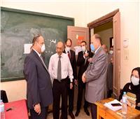 محافظ أسيوط ورئيس لجنة متابعة «الشيوخ» يتفقدان المقار الانتخابية