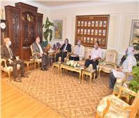 محافظ أسيوط يلتقي وفد صندوق مكتبات مصر لبحث افتتاح مكتبة جديدة