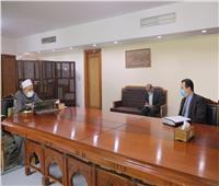 الإمام الأكبر يستقبل سفير مصر في جنوب أفريقيا ويؤكد دعم الأزهر علميا ودعويا لشعوب القارة