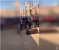 بالفيديو.. بدء صلاة جنازة عزمي مجاهد بمقابر أكتوبر