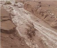 إعادة فتح طريق «رأس غارب- الشيخ فضل» بعد إزالة أثار السيول