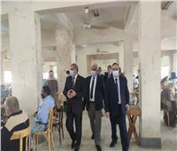 رئيس جامعة الأزهر يتفقد لجان امتحانات الدراسات العليا بكليات الطب