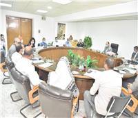محافظ أسيوط يعقد اللقاء الدوري مع المواطنين لمناقشة الشكاوى وتحسين الخدمات