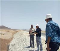 «محافظ شمال سيناء يعلن عن مشروعات الاستفادة من «مياه السيول»