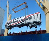 صور| وصول دفعة جديدة من عربات السكك الحديدية الروسية إلى ميناء الإسكندرية