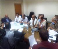 السكرتير العام المساعد يعقد اجتماعا لمناقشة رصف بعض الطرق ضمن خطة وزارة النقل