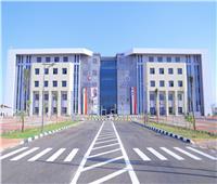 رئيس جامعة السويس: الدولة مهتمة بالتعليم.. وافتتاح كلية الطب إضافة للخدمة الصحية